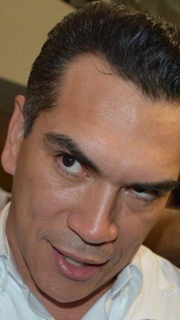 Alejandro Moreno mentiroso; no se bajo el sueldo por austeridad