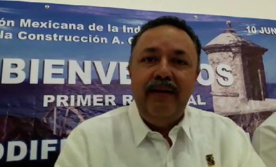 """Exhorta AMIC a """"Alito"""" para adjudicar obras a constructoras campechanas"""