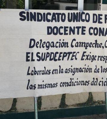 Protestan sindicalizados del Conalep