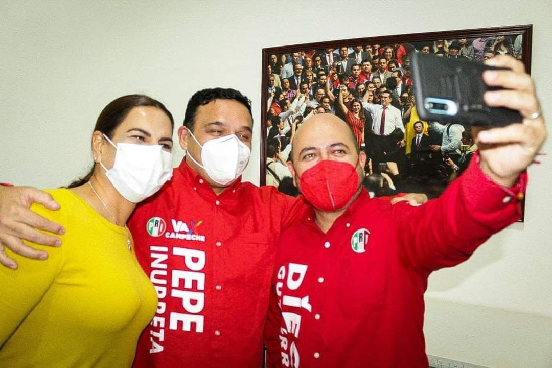 Sin vergüenza ni empacho, José Inurreta Borges presume camisa priísta