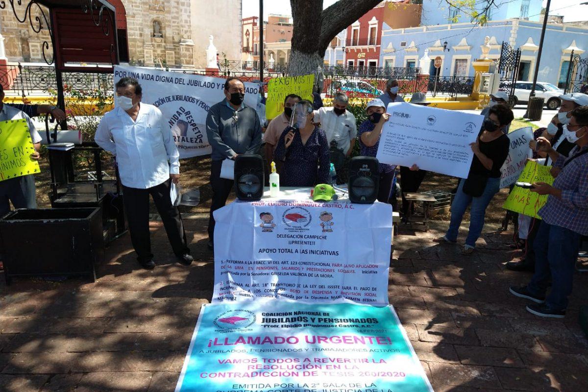 Rechazan jubilados pensión con base en UMAS; exigen sea en Salarios Mínimos