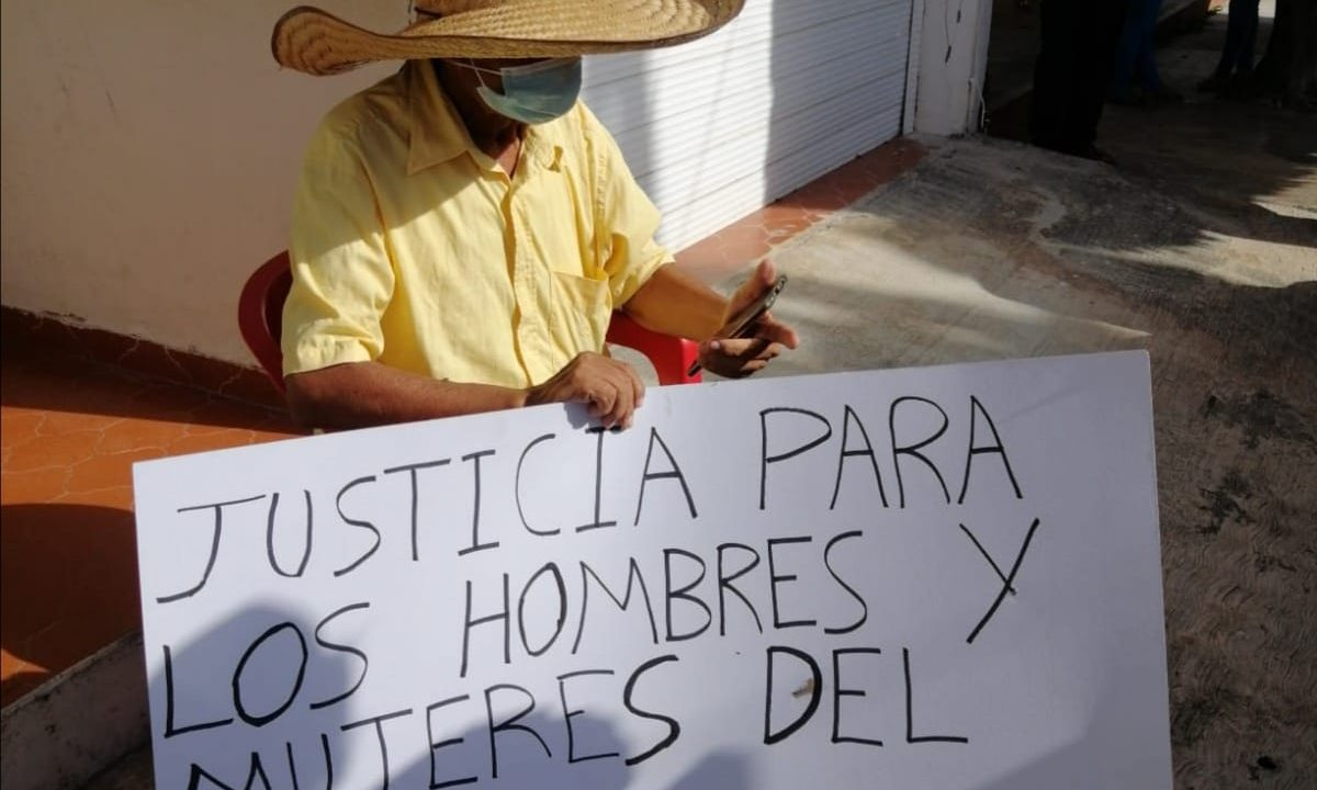 https://paginabierta.mx/wp-content/uploads/2021/09/1.-PROTESTA-PEDRO-CELESTINO-EN-EL-TUA-1-1200x720.jpeg